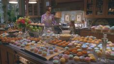This scene in the Stepford Wives makes me want to go home and bake hundreds and hundreds of cupcakes like Joanna.