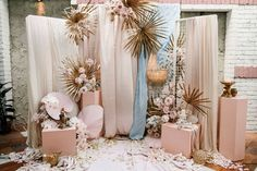 Baz Luhrmann's 'Romeo + Juliet' Inspired All the Rock 'N' Roll Details at This Wedding - Green Wedding Shoes Morden Sydney Wedding with whimsical 'Romeo and Juliet' Baz Luhrmann pink backdrop and boho palm fronds. Green Wedding Shoes, Wedding Colors, Wedding Flowers, Wedding Bouquets, Bühnen Design, Event Design, Wedding Welcome, Our Wedding, Wedding Reception