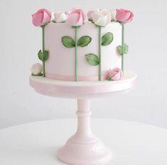 Semplice e delicata von Zoë Clark Kuchen Kuchen dekorieren Tipps und Tricks -… Semplice e delicata by Zoë Clark Cake Decorating Cakes Tips and Tricks – Cake Decorating Tips and Tricks – Gorgeous Cakes, Pretty Cakes, Cute Cakes, Amazing Cakes, Cake Decorating Tips And Tricks, Decorating Ideas, Simple Cake Decorating, Fondant Cakes, Cupcake Cakes