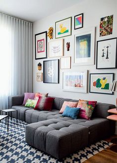 Simple living room wall decor ideas 50 brilliant living room decor ideas in Decoration Inspiration, Decoration Design, Interior Inspiration, Interior Ideas, Home Living Room, Apartment Living, Living Room Designs, Corner Sofa Living Room Small Spaces, Tv Room Small