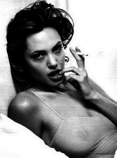 Imagen de Angelina Jolie, sexy, and black and white