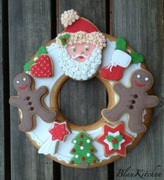 Decorated Christmas cookie wreath Gingerbread men