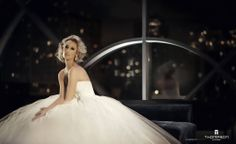 """Carasco Photography's editorial shoot for Thompson Chicago Hotel and Chicago Social Brides Modern Luxury. Gown """"Elizabeth"""" by Rafael Cennamo."""