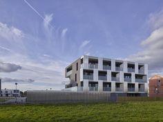45 BBC Housing / a-LTA