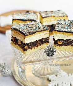 Świąteczny Makowiec Śnieżny Sweet Recipes, Cake Recipes, Layered Desserts, Polish Recipes, Food Cakes, No Bake Cake, Food And Drink, Cooking Recipes, Sweets