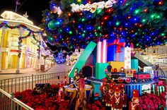 Visiting Disney World in November 2014 - Disney Tourist Blog. I would love to go during the holiday season !
