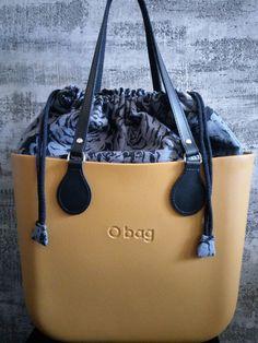 My obag love. Narcissus with grey and black roses. O Bag, Michael Kors Jet Set, Black Roses, Style Inspiration, Shoulder Bag, Oclock, Grey, Cooking, Outfits
