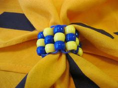 * A Handful of Everything: Bead Cub Scout Neckerchief Slide-- good pictorial tute