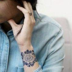 55 Beautiful Custom Temporary Tattoos Designs Of 2019 Ring Tattoos, Cute Tattoos, Sleeve Tattoos, Tatoos, Flower Tattoo On Side, Flower Tattoos, Custom Temporary Tattoos, Lace Tattoo, Ideas