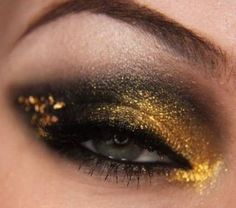 The Midas Touch: gold and black eye makeup look
