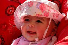 Minden kisgyermekes szülőnek ismernie kellene a 3 perces szabályt! Kids And Parenting, Marriage, Hats, Armagh, Mamma, Amazing, Check, Valentines Day Weddings, Hat