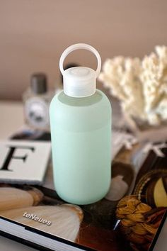 Why not carry life's most essential molecule in the safe, green, and clean bkr Silicone + Glass Water Bottle in Detox! This water bottle is 100% reusable + recyclable and a portion of the proceeds benefit the Obakki and Canary Foundation. This leak-proof, lightweight bottle is a must-have beauty essential.Color: Detox (Dusty Mint)Material: Glass bottle + Silicone sleeve / Food Grade Polypropylene Cap + Silicone GasketMeasurement: Small one-inch opening for no-spill sipping / Fits most cup…