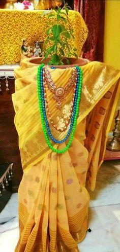 Housewarming Decorations, Diwali Decorations, Festival Decorations, Flower Decorations, Mandir Decoration, Decoration For Ganpati, Durga Puja Wallpaper, Tulsi Vivah, Colorful Rangoli Designs