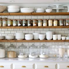 10 Tips on How to Build the Ultimate Farmhouse Kitchen Design Ideas Love the ideas! Check the website for more farmhouse kitchen design. 🙂 Source by Swanfebvre Kitchen Pantry, Rustic Kitchen, Kitchen Decor, Open Pantry, Open Shelf Kitchen, Organized Kitchen, Kitchen Ideas, Kitchen Trends, Open Kitchen Cabinets