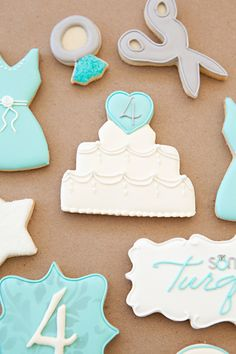 cute wedding cookies!