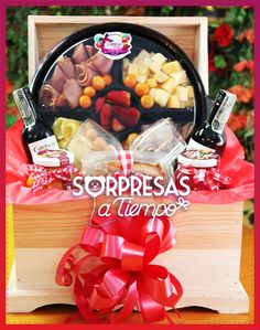 Baúl Star de Sorpresas a Tiempo #tabladequesos #chessetable #cheese #christmas Birthday Box, Food Gifts, Breakfast, Floral, Party, Beer Basket, Hamper, Make And Sell, Kid Craft Gifts