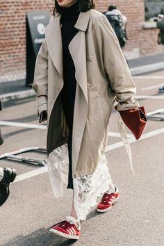 Very Cute Fall / Winter Outfit. This Would Look Good Paired With Any Shoes. - Luxe Fashion New Trends - Fashion for JoJo Street Style Chic, Looks Street Style, Street Style Women, Fashion Week, Womens Fashion, Milan Fashion, Street Fashion, Hijab Style, Mode Inspiration