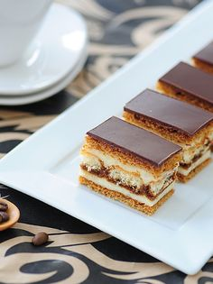 Tortelina: Pita sa kafom i piskotama Cupcake Recipes, Cookie Recipes, Cupcake Cakes, Dessert Recipes, Cupcakes, Bosnian Recipes, Croatian Recipes, Gourmet Recipes, Baking Recipes