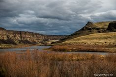 03/012/2016 - Though a chance of rain and high winds were forecast, it was a perfect day for hiking along the Snake River Canyon near the Swan Falls dam.