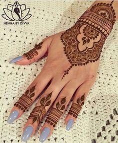 Beautiful and Easy Mehndi Designs for Eid Celebration - Henna / Mehndiiii - Henna Hand Designs, Eid Mehndi Designs, Mehndi Designs Finger, Pretty Henna Designs, Henna Tattoo Designs Simple, Beginner Henna Designs, Wedding Mehndi Designs, Mehndi Designs For Fingers, Latest Mehndi Designs