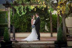 Fotos despùés de la ceremoniaBoda en Finca el Rocío - Miraflores de la Sierra #fotografoboda #fotosboda #fotografosbodasmadrid  #fotografomadrid #reportajedeboda Sierra, Wedding Dresses, Fashion, Photo Studio, Bridal Gowns, Gardens, Pictures, Bride Dresses, Moda