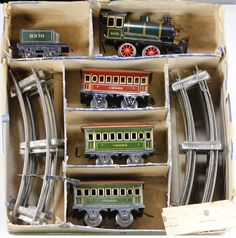 German tin Vedes O gauge passenger train set by Bing, early 1900s.