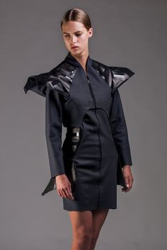 Wearable Solar, A Dutch Designer called Pauline van Dongen Featured her Solar dress which is able to charge your smartphone at Northside Festival in Brooklyn, NY