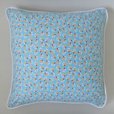 piped-cushion-cover-with-zip-finished-cushion