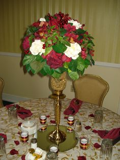 red and white rose berry 50th anniversary centerpiece