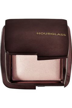 Instructions for use: Apply over the top of your makeup base or foundation with the [Ambient Powder Brush id429821] Dust all over the face or cheekbones, nose and forehead 10g/0.35 oz. Ingredients: Mica, Synthetic Fluorphlogopite, Boron Nitride, Hdi/Trimethylol Hexyllactone Crosspolymer, Polymethyl Methacrylate, Octyldodecanol, Silica, Benzimidazole Diamond Amidoethyl Urea Carbamoyl Propyl Polymethylsilsesquioxane, Sorbitan Sesquioleate, Magnesium Aluminum Silicate, Phenoxyethanol, ...