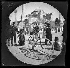 William Sachtleben ve Thomas Allen isimli iki Amerikalı bisikletli gezginin Yunanistan'dan başlayıp Özbekistan'a kadar süren yolculuklarında 21 Mart 1891 tarihinde İstanbul'da kaydettikleri görüntüler