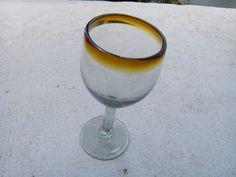 Copa de vidrio soplado para agua. Más info en: www.artesaniasdetonala.com