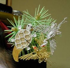 Sakkou kanzashi with cranes and a tortoise on matsu (pine) needles