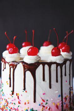 Vanilla Almond Cake (and a third blogiversary!) | La Pêche Fraîche