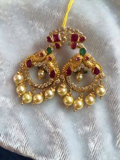 Er Gold Jhumka Earrings, Jewelry Design Earrings, Gold Earrings Designs, Gold Jewellery Design, Beaded Jewelry, Gold Jewelry Simple, Simple Earrings, Traditional Earrings, Jewelry Model