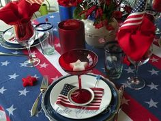 Khloe Kardashian - Fourth of July Tablescapes