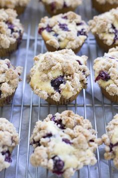 These are a family favorite! Fluffy blueberry muffins topped with a buttery cinnamon crumble topping just like the bakery makes. Blueberry Crumb Muffins, Homemade Blueberry Muffins, Blueberry Recipes, Blue Berry Muffins, Blueberries Muffins, Blueberry Bread, Tasty Bread Recipe, Bread Recipes, Lasagna Recipes