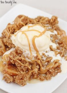 Caramel Apple Crisp #recipes #applecrisp #caramel #fallrecipes
