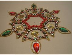 Kundan Rangoli Ornament Wreath, Ornaments, Indian Festivals, Rangoli Designs, Garland, Brooch, Wreaths, Simple, Crochet