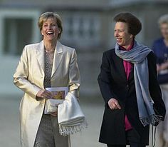 The Princess Royal and The Countess of Wessex arrive in the gardens of Buckingham Palace to attend a classical concert to celebrate The Queen's Golden Jubilee, June 2002.© Press Association