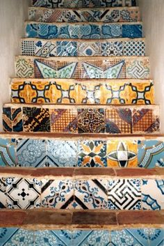 to ] Great to own a Ray-Ban sunglasses as summer gift.Typical colors of in Favignana. a great way to decorate staircases! / Colori tipici di Sicilia a Favignana. e che splendida idea per decorare le scale ; Tile Stairs, Italian Tiles, Sicilian, Tile Design, Floor Design, Tile Patterns, Stairways, Mosaic Tiles, Planer