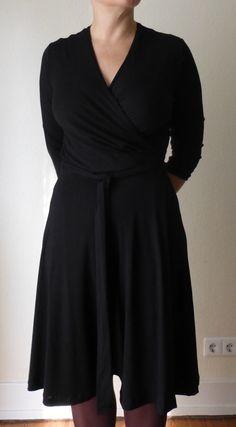 Kleidermanie: Ich brauche ein schwarzes Wickelkleid