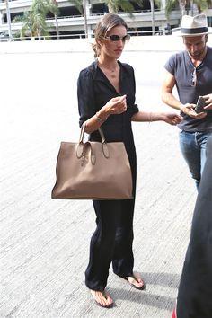 Airport Fashion: Kim Kardashian, Jessica Alba, Kate Bosworth, More   StyleCaster