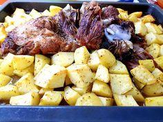 αρνάκι στον φούρνο με πατάτες Pot Roast, Ethnic Recipes, Food, Carne Asada, Roast Beef, Meals, Yemek, Eten