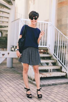 this blog Et Pouquoi pas: not only does she have awesome style, but I can practice my french at the same time!  Ceci bon!