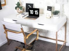 The best Ikea hack ideas we've seen. These Ikea hacks are stylish and allow you to create designer furniture cheaply. Find ideas for your Ikea hack project. Ikea Office Hack, Office Hacks, Desk Hacks, Office Inspo, Office Decor, Ikea Furniture Hacks, Home Office Furniture, Furniture Design, Furniture Decor