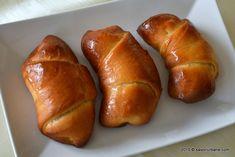 Cornuri-de-post-cu-rahat Good Wife, Pastry Cake, Gem, Bread, Food, Cakes, Sweet Treats, Mudpie, Gemstones