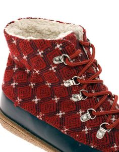 ASPEN Lace Up Duck Boot