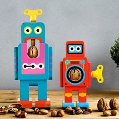 Robot Nut Crackers Your new best friend is made from solid beech wood and finished with a gleaming retro paint-job and his specialist task is to crack open nuts! Design Shop, Design3000, Retro Robot, Quirky Decor, Nutcracker Christmas, Retro Christmas, Christmas Stocking, Christmas Christmas, Xmas