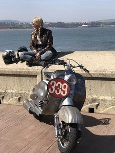 Honda Ruckus, Vespa Girl, Scooter Girl, Vespa Lambretta, Vespa Scooters, Vespa Retro, Vintage Vespa, Vintage Italy, Electric Scooter